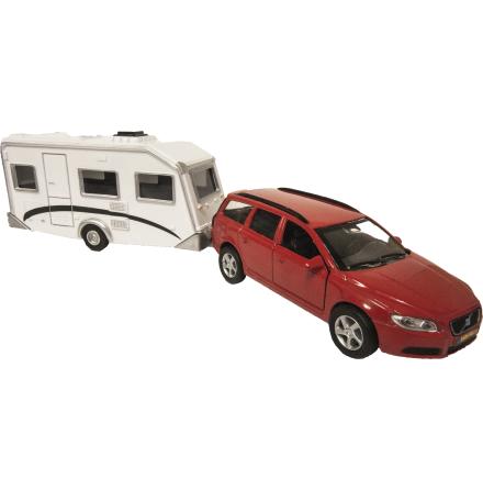Volvo med Holiday Husvagn